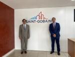 Secretário de Estado Adjunto e da Economia, João Neves e Diretor Geral da Saint-Gobain em Portugal, José Martos
