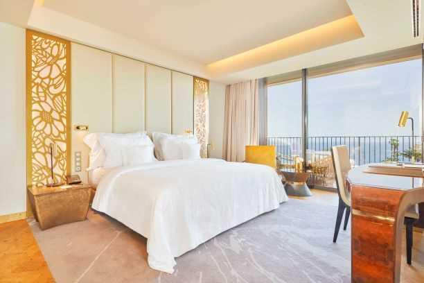 Hotel_Savoy_Palace_Geberit_suite_bis